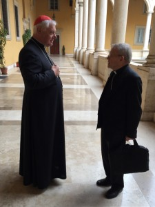 Two theological giants discussion in a pause: Cardinal Kasper and Kardinal Müller.
